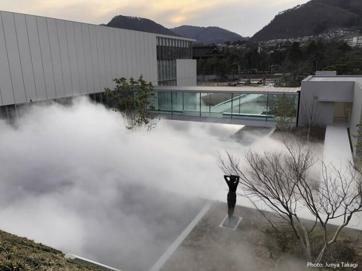 「長野県立美術館」が新築オープン。ユニフォームデザインは「Mame Kurogouchi」