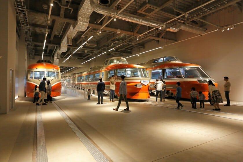 UDSが施設デザインを手がける、小田急電鉄初の展示施設「ロマンスカーミュージアム」が海老名駅前にオープン