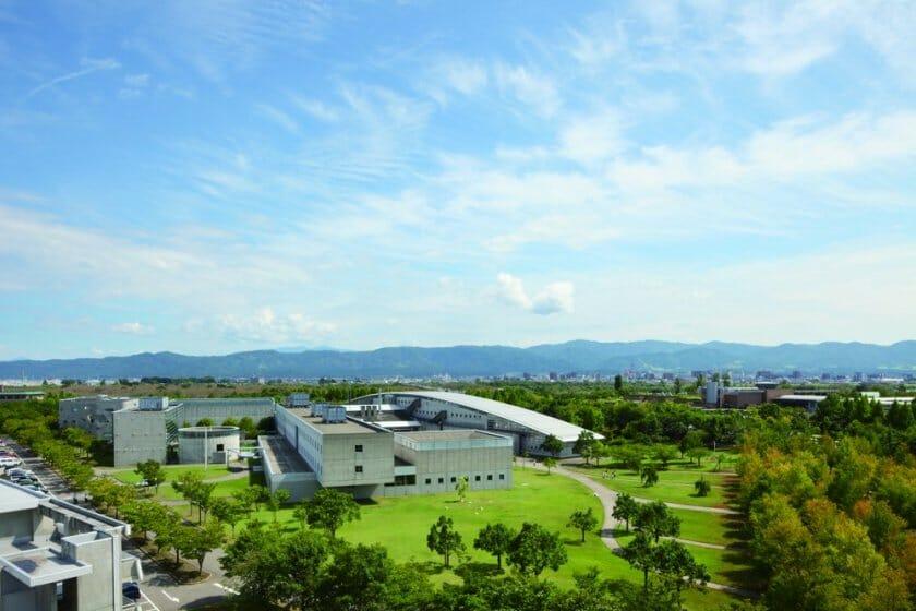 【求人情報】デザイン専門大学の長岡造形大学が、専任教員を募集