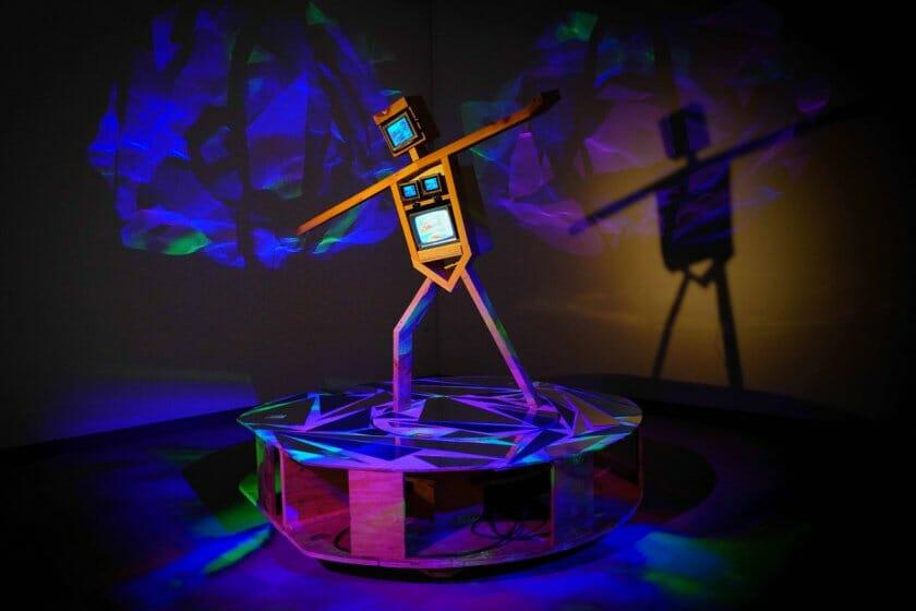 《スケート選手》1991-92年 久保田成子ヴィデオ・アート財団蔵 (新潟県立近代美術館での展示風景、2021年)撮影:吉原悠博 © Estate of Shigeko Kubota